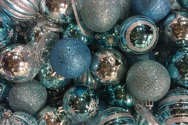 TIFFANY BLUE ASSORTED ORNAMENTS