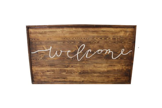WOODEN 'WELCOME' SIGN