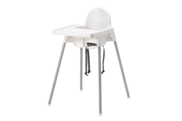 WHITE HIGH CHAIR WITH TRAY