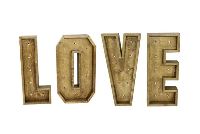 WOODEN 'LOVE' LETTERS WITH LIGHTS