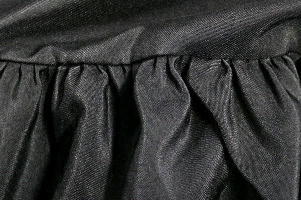 BAR SKIRT, STOW-AWAY BLACK SHIRRED