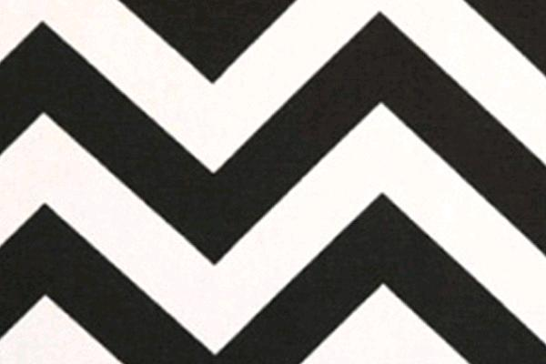 BLACK & WHITE CHEVRON RUNNER, 120
