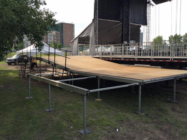 STRATA STAGE HEAVY DUTY TENT STAGING